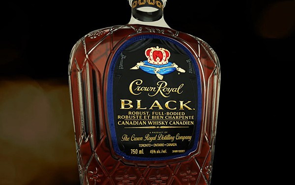 crown-royal-black-blottle_377